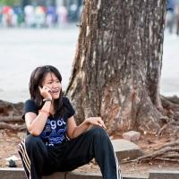 Aneka gaya nongkrong .. satu sore lagi di Taman Fatahillah