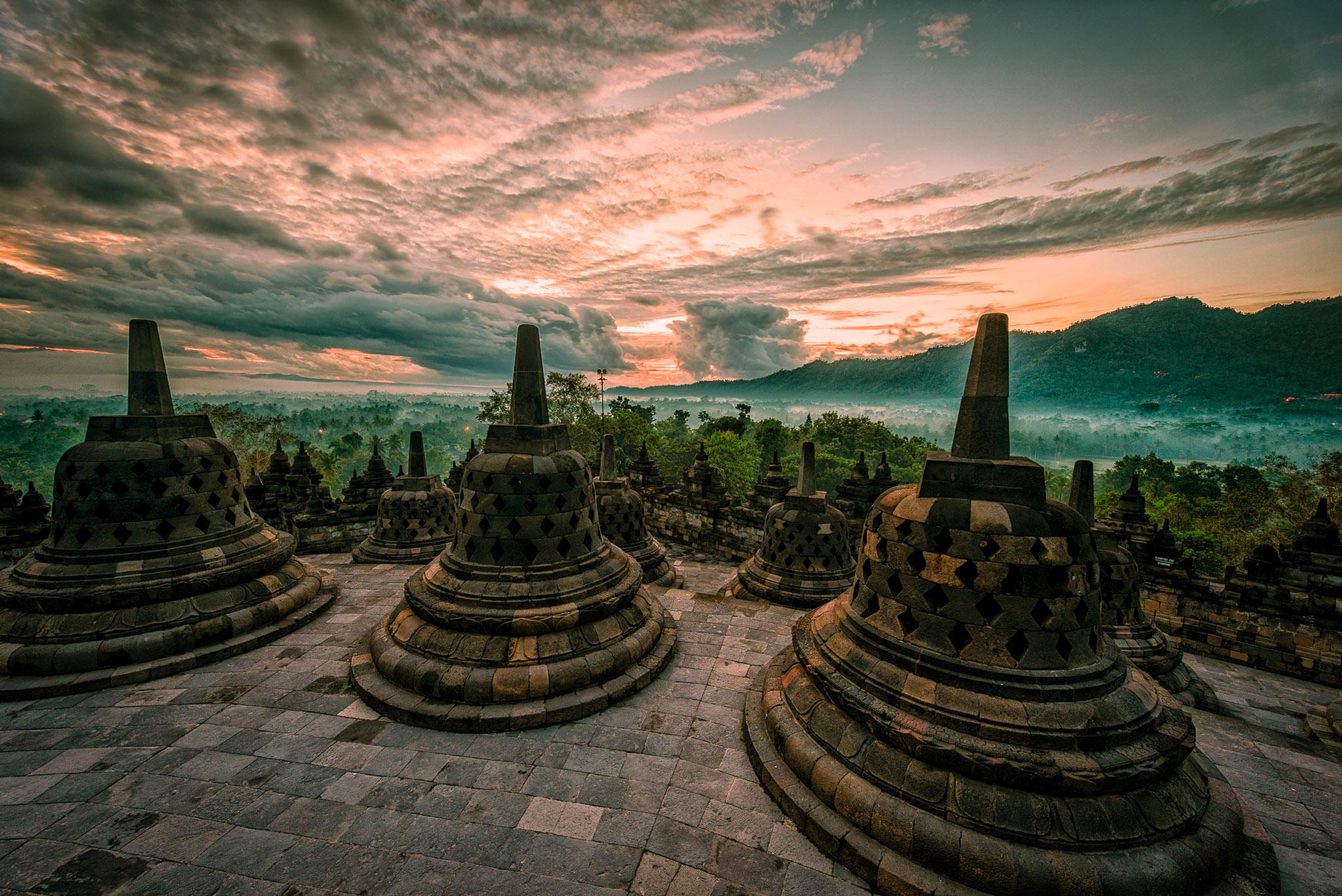 Borobudur Sunrise - Iksa Menajang