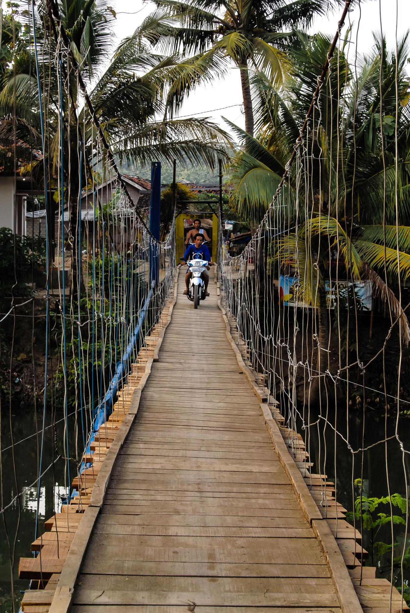 Jembatan Sawarna - Iksa Menajang