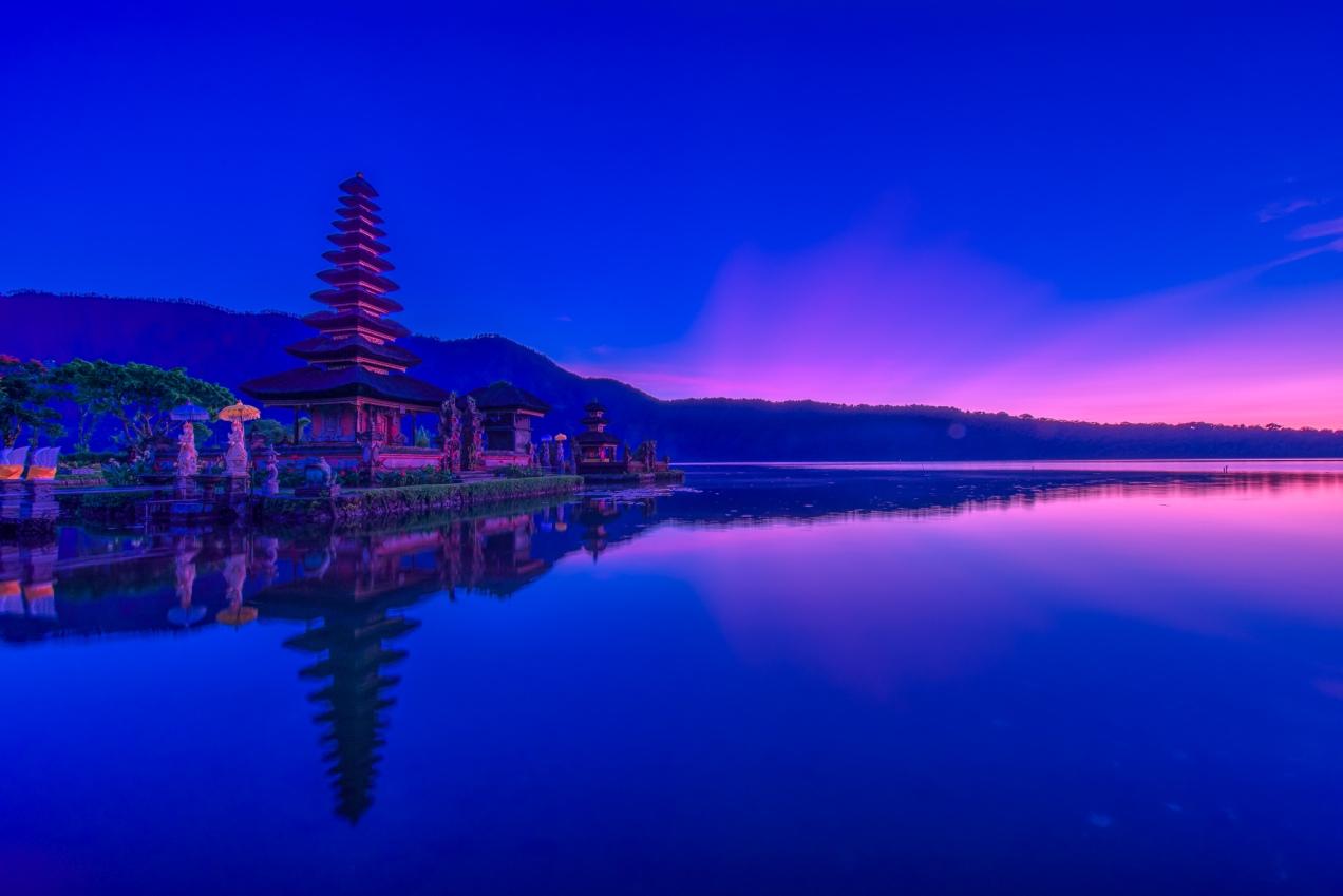 Ulun Danu Temple At Dawn